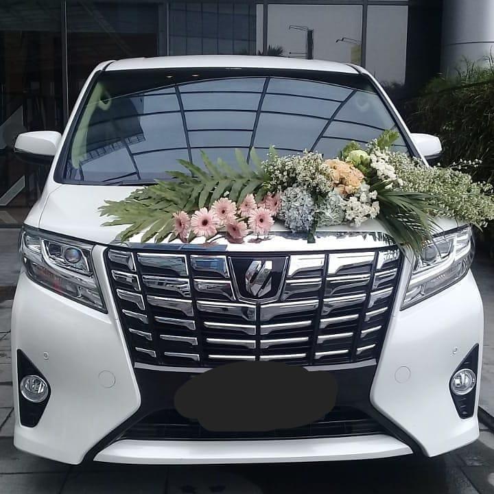 Sewa Mobil Toyota Alphard Harian
